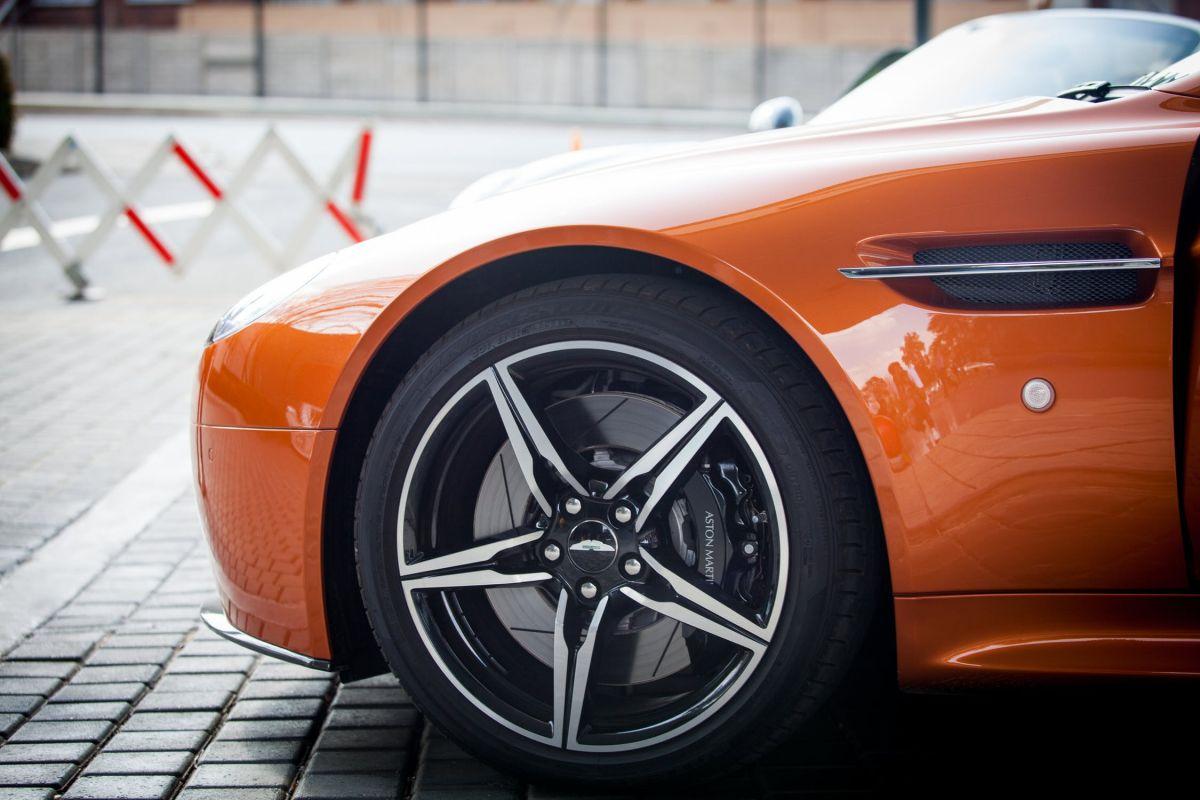 Brug nettet til at finde dæk og fælge